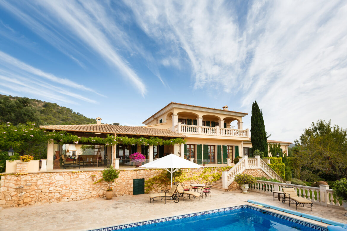 An Expat's Guide on How to Buy Property in Spain