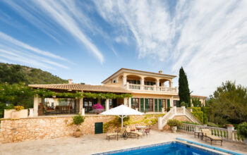 Spain is home to beautiful and affordable real estate opportunities. Get in on the action with this expat's guide on how to buy property in Spain.